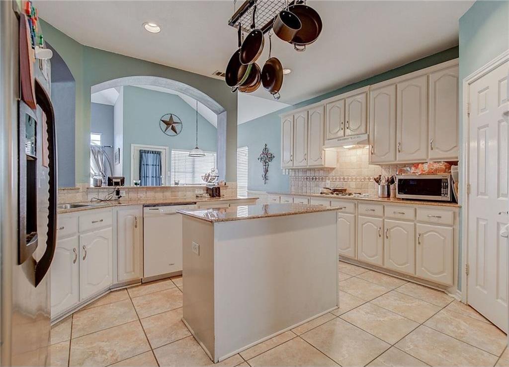 Sold Property | 2136 Lindblad Court Arlington, Texas 76013 9