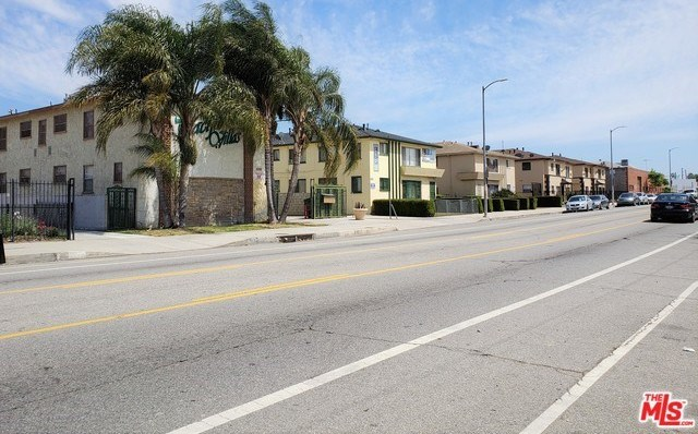 Closed | 6720 WEST Boulevard Los Angeles, CA 90043 6