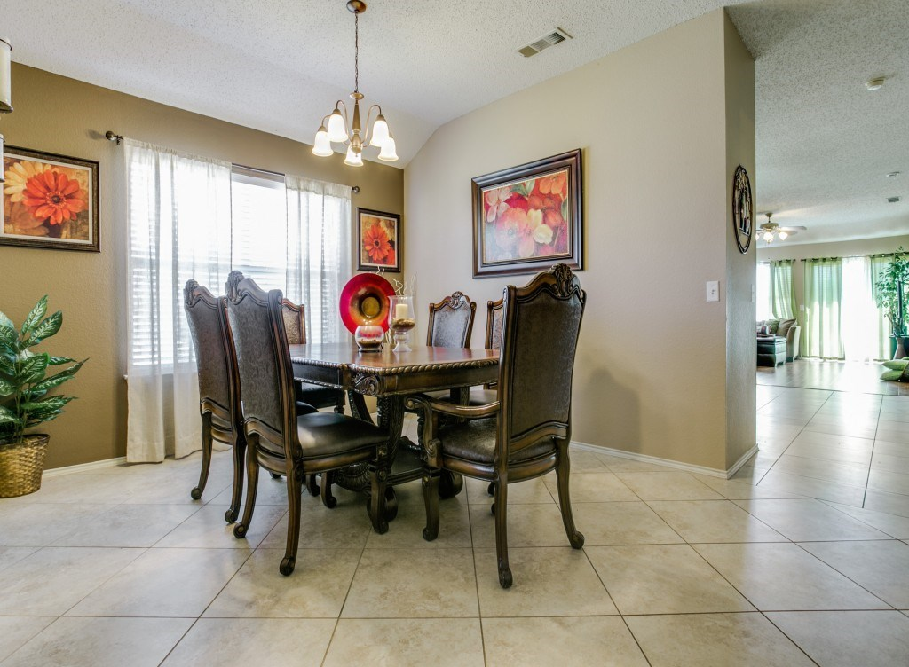 Sold Property | 822 Sage Meadow Drive Glenn Heights, Texas 75154 3