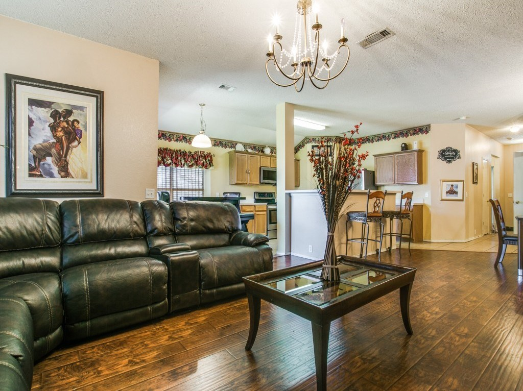 Sold Property | 820 Sage Meadow Drive Glenn Heights, Texas 75154 2