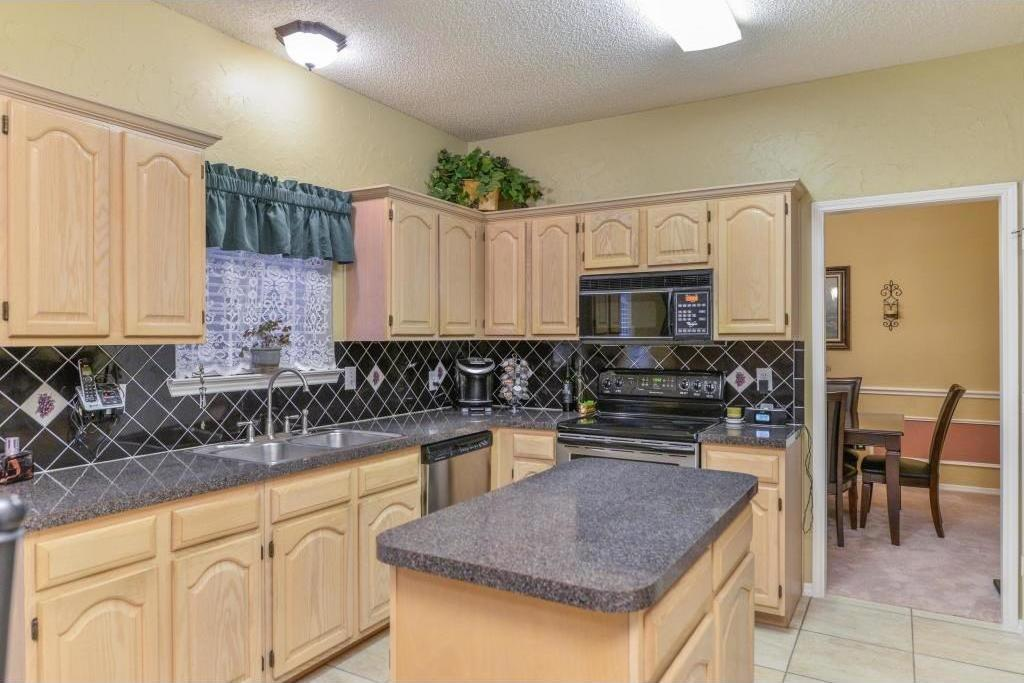 Sold Property | 1411 New Haven Drive Mansfield, Texas 76063 9