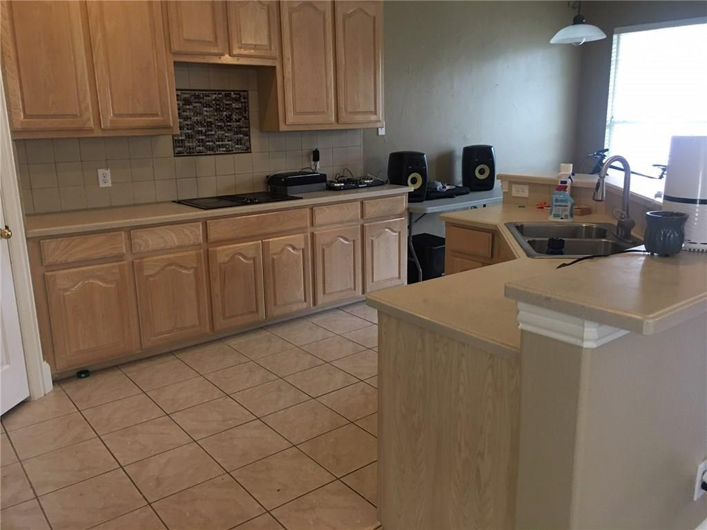 Leased   418 Lacebark Drive Irving, Texas 75063 6