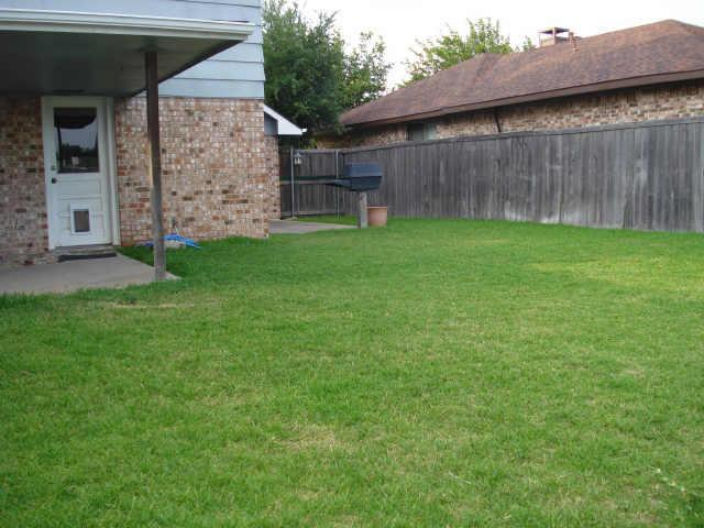 Sold Property | 2622 Summertree Drive Carrollton, Texas 75006 10