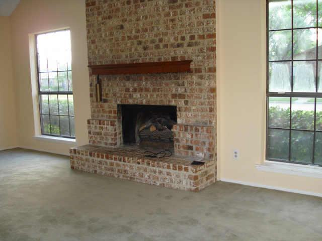 Sold Property | 2622 Summertree Drive Carrollton, Texas 75006 3
