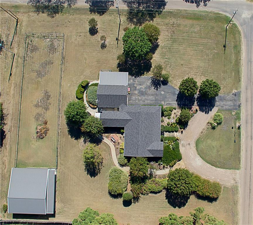 Sold Property | 701 S Cherokee Drive Tioga, Texas 76271 5