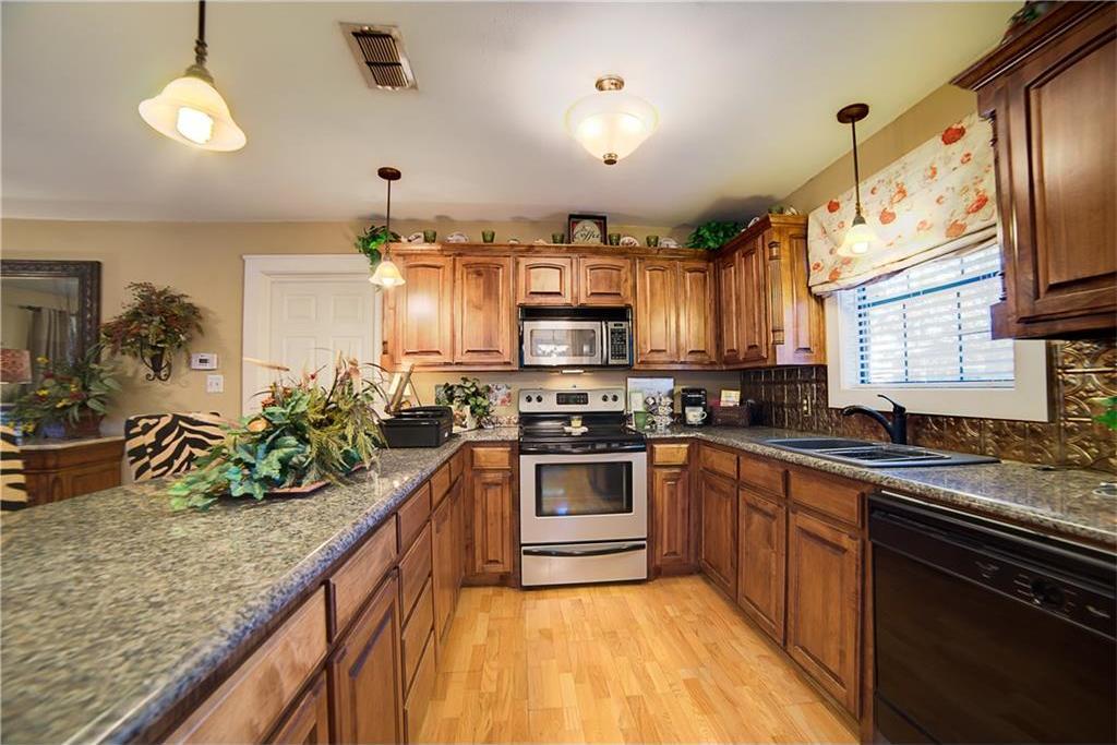 Sold Property | 701 S Cherokee Drive Tioga, Texas 76271 9