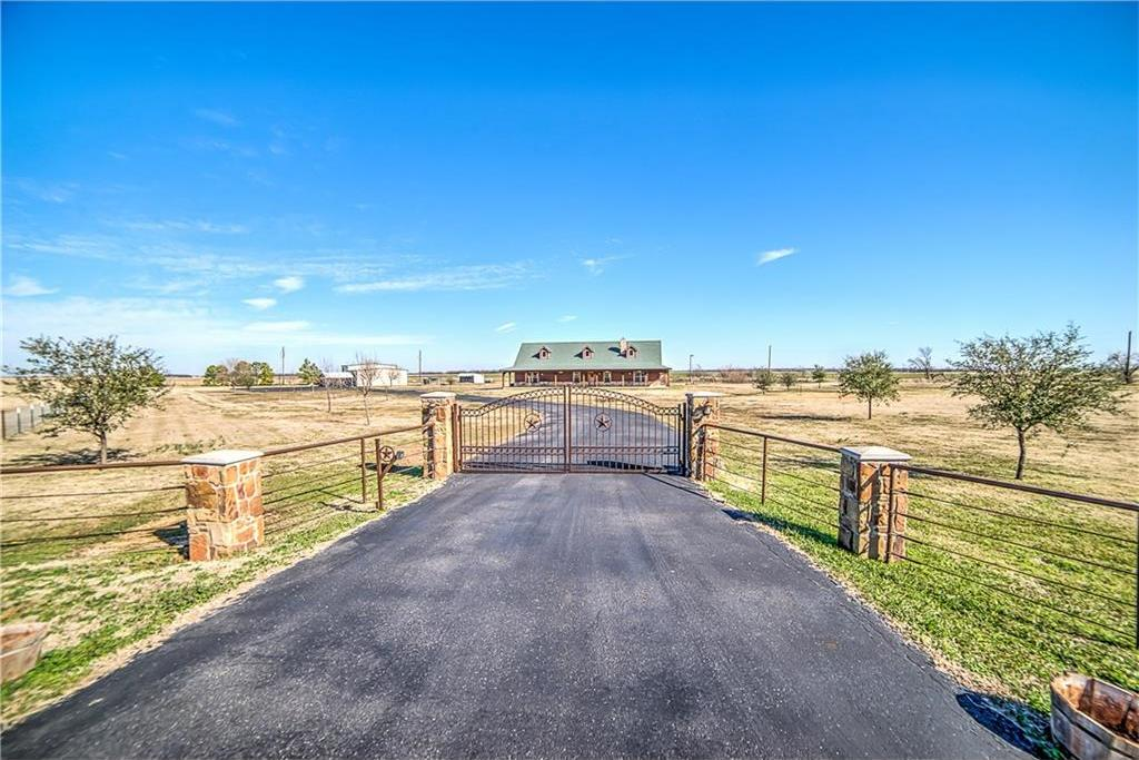 Sold Property | 20205 Willow Glade Circle Pilot Point, Texas 76258 3