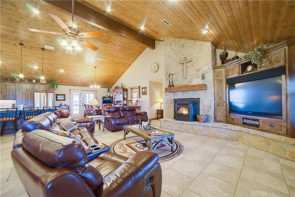 Sold Property | 20205 Willow Glade Circle Pilot Point, Texas 76258 4