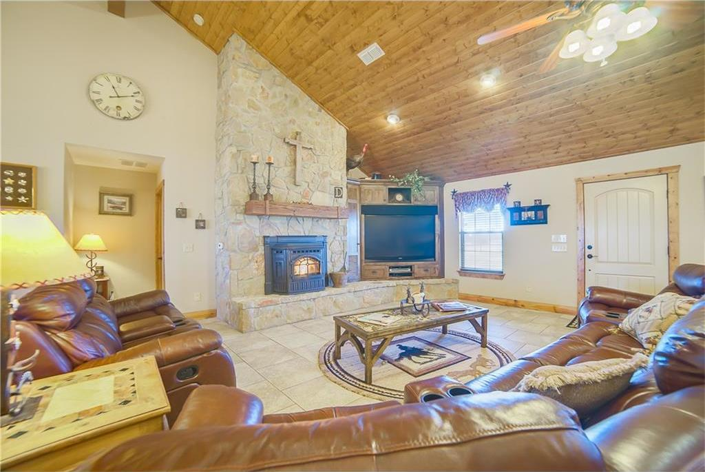 Sold Property | 20205 Willow Glade Circle Pilot Point, Texas 76258 6