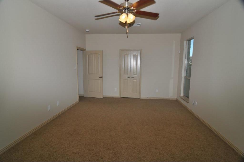 Sold Property | 5804 Tuleys Creek Drive Fort Worth, Texas 76137 10