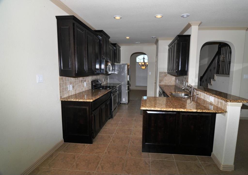 Sold Property | 5804 Tuleys Creek Drive Fort Worth, Texas 76137 3
