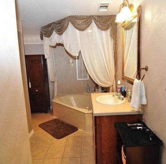 Sold Property | 418 Saddle Road White Settlement, Texas 76108 11