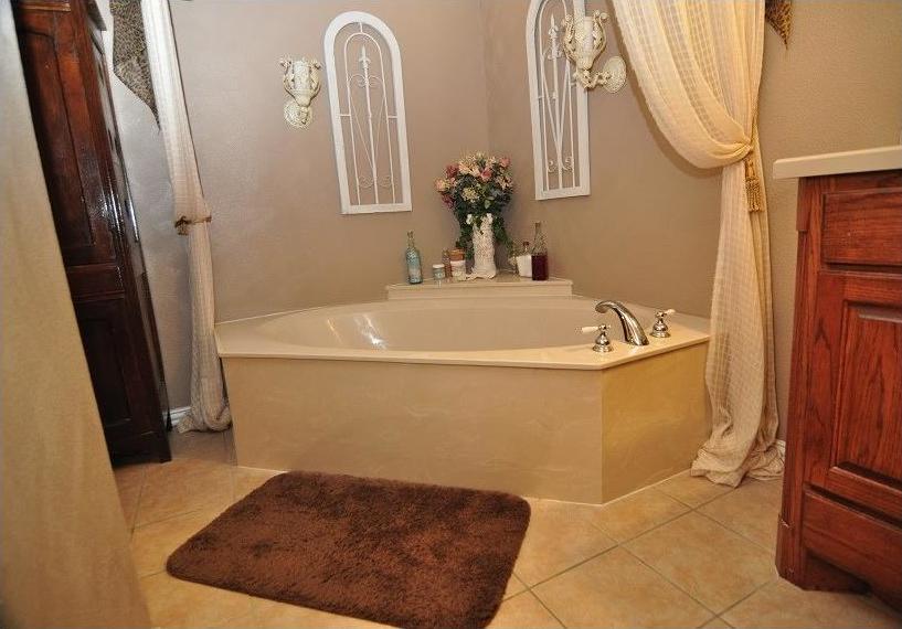 Sold Property | 418 Saddle Road White Settlement, Texas 76108 12