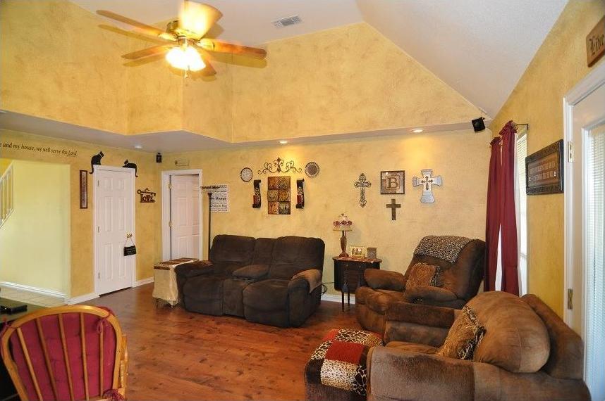 Sold Property | 418 Saddle Road White Settlement, Texas 76108 6