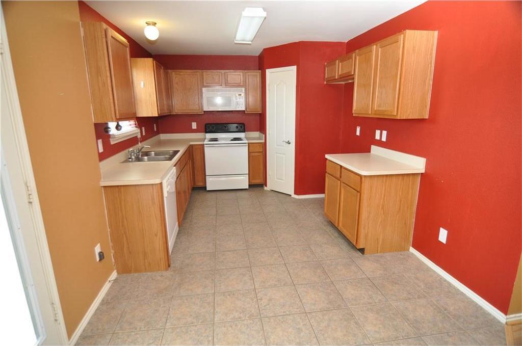 Sold Property   725 Mallard Drive Saginaw, Texas 76131 6