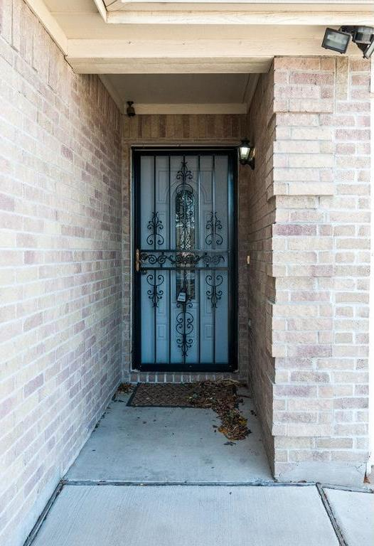 Sold Property | 3609 Venera Street Fort Worth, Texas 76106 1