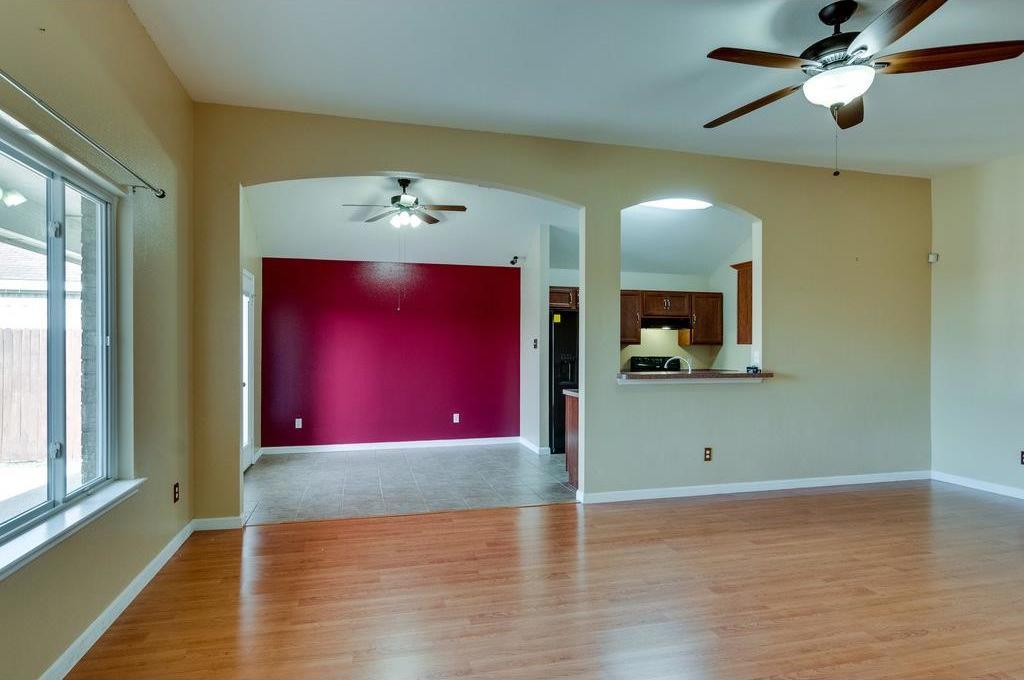 Sold Property | 3609 Venera Street Fort Worth, Texas 76106 3