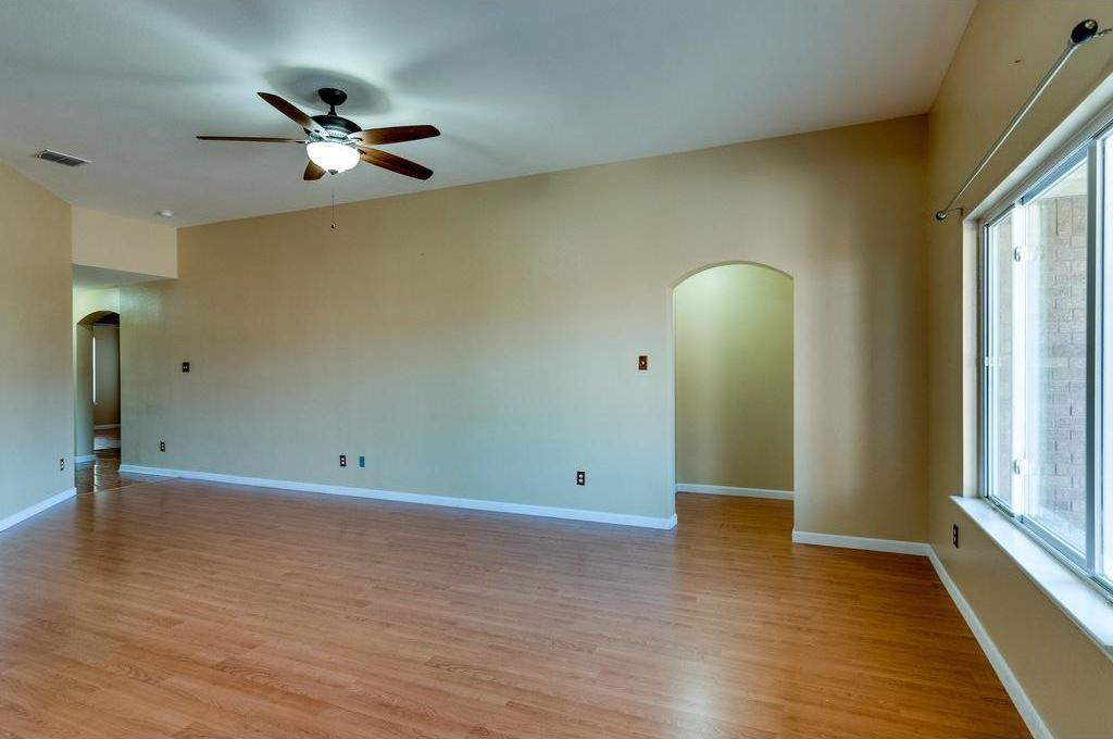 Sold Property | 3609 Venera Street Fort Worth, Texas 76106 4