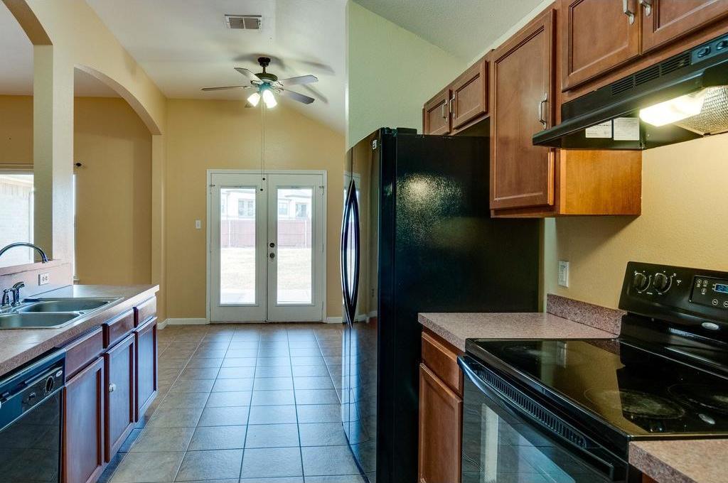 Sold Property | 3609 Venera Street Fort Worth, Texas 76106 8