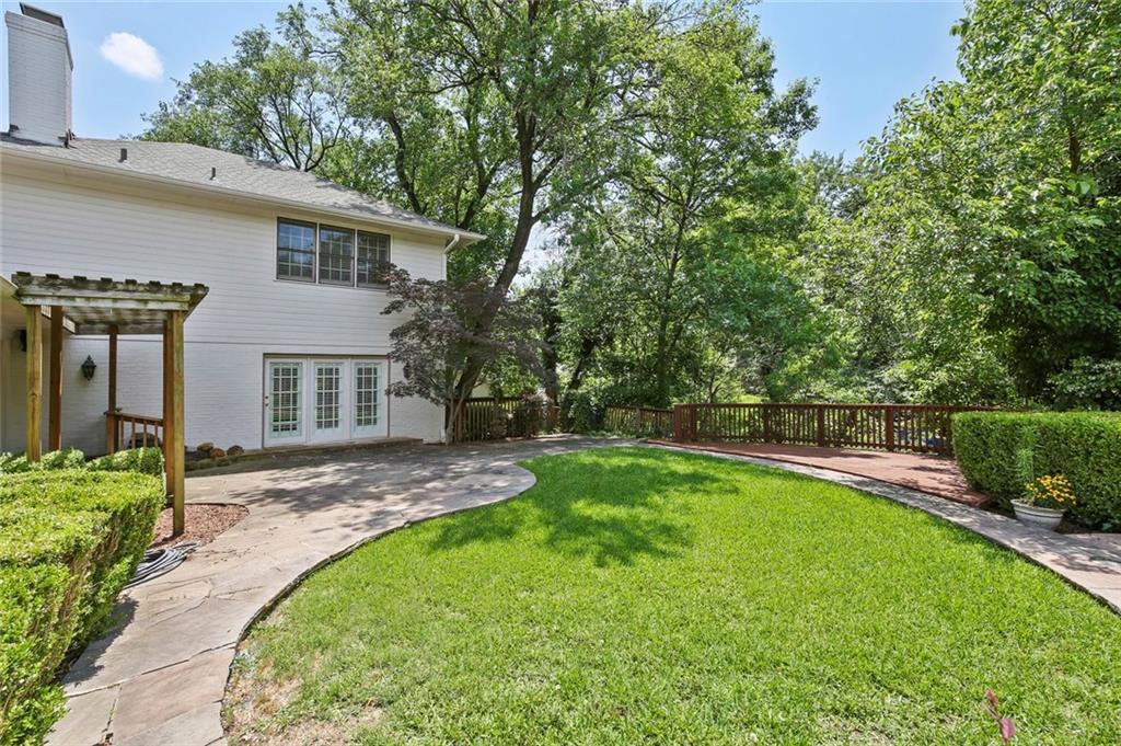 DFW Luxury Real Estate   901 N Waterview Drive Richardson, TX 75080 36