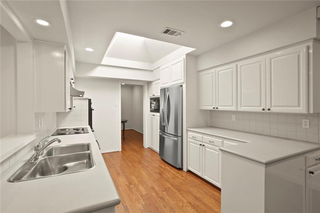 DFW Luxury Real Estate   901 N Waterview Drive Richardson, TX 75080 9