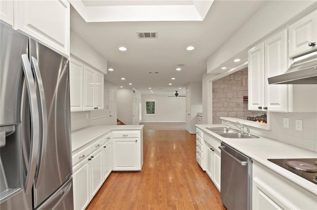 DFW Luxury Real Estate   901 N Waterview Drive Richardson, TX 75080 10