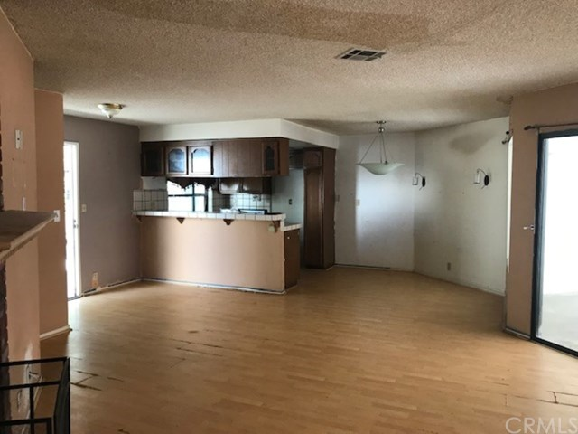 Closed   911 Cota Avenue #2 Torrance, CA 90501 5