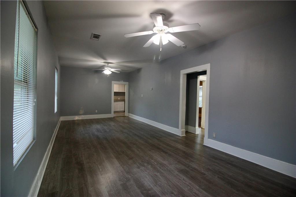 Sold Property | 206 S Marlborough Avenue Dallas, TX 75208 4