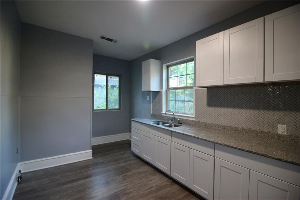 Sold Property | 206 S Marlborough Avenue Dallas, TX 75208 6