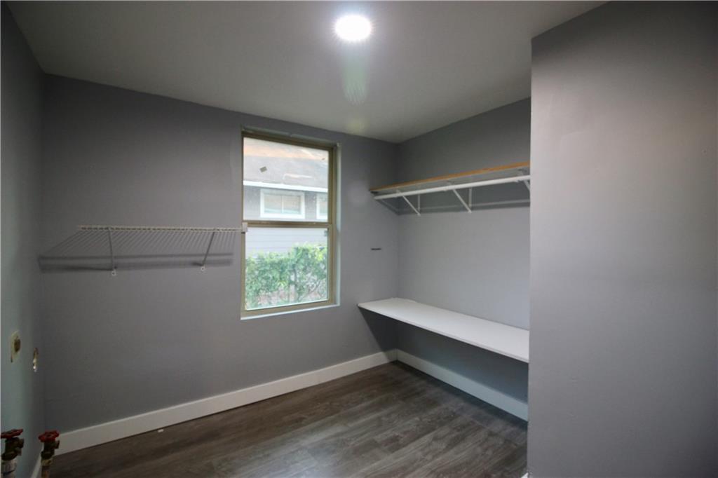 Sold Property | 206 S Marlborough Avenue Dallas, TX 75208 7
