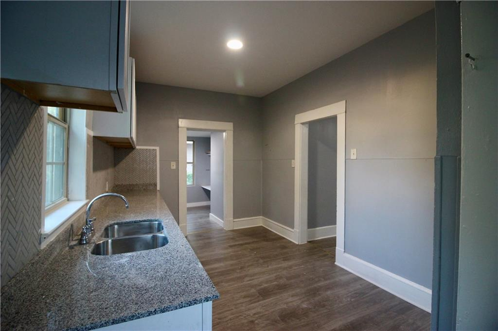Sold Property | 206 S Marlborough Avenue Dallas, TX 75208 8