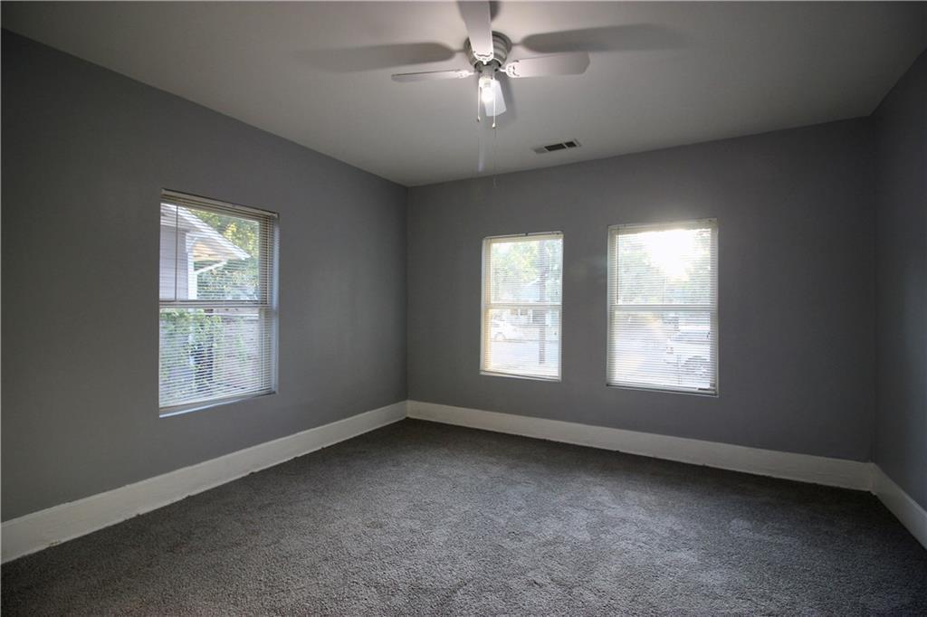Sold Property | 206 S Marlborough Avenue Dallas, TX 75208 9