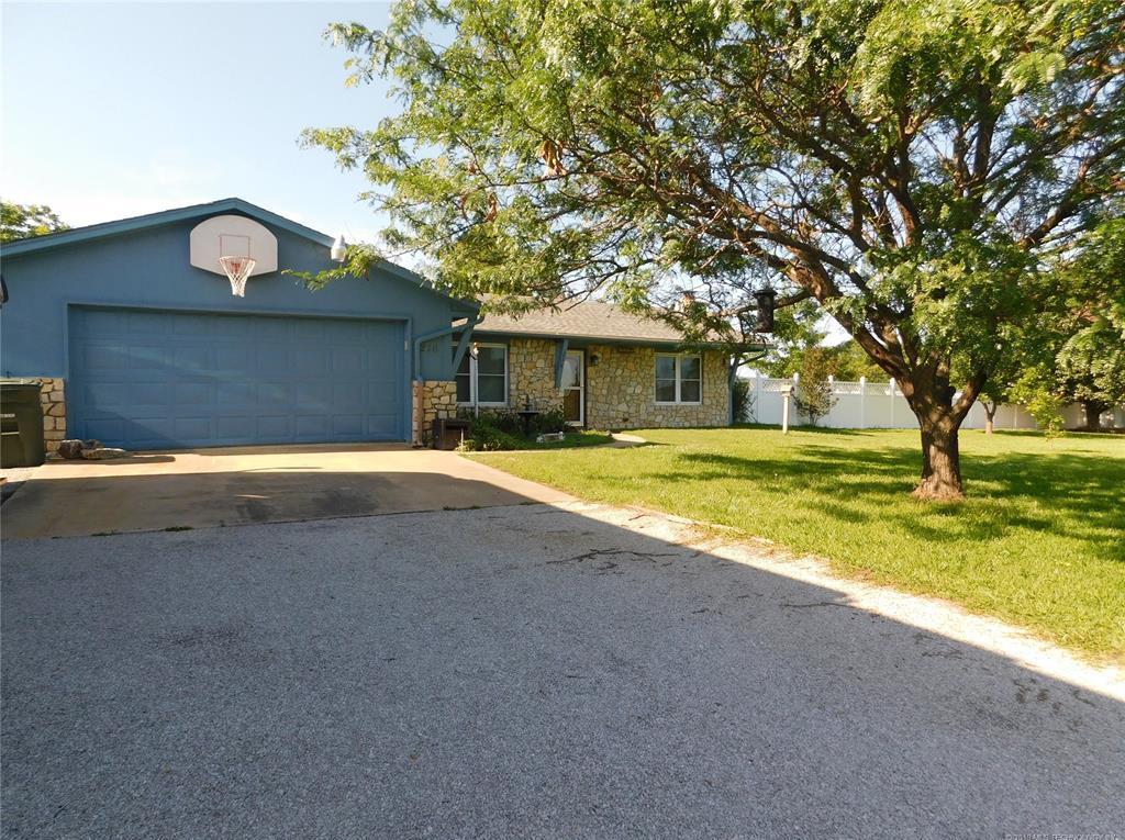 Off Market | 216 Whipperwill Street Lone Grove, Oklahoma 73401 2