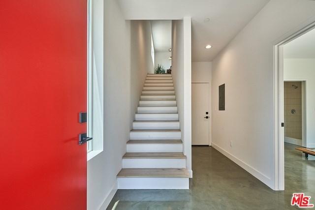 Closed   2923 S Cloverdale Avenue Los Angeles, CA 90016 16