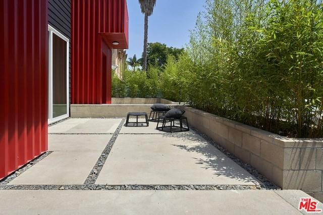 Closed   2923 S Cloverdale Avenue Los Angeles, CA 90016 19