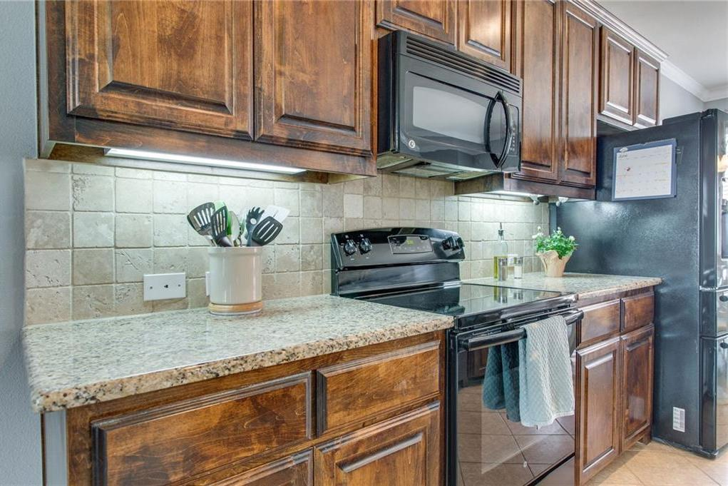 Homes for sale in Lewisville Texas | 2500 Rockbrook Drive #6A-79 Lewisville, Texas 75067 5