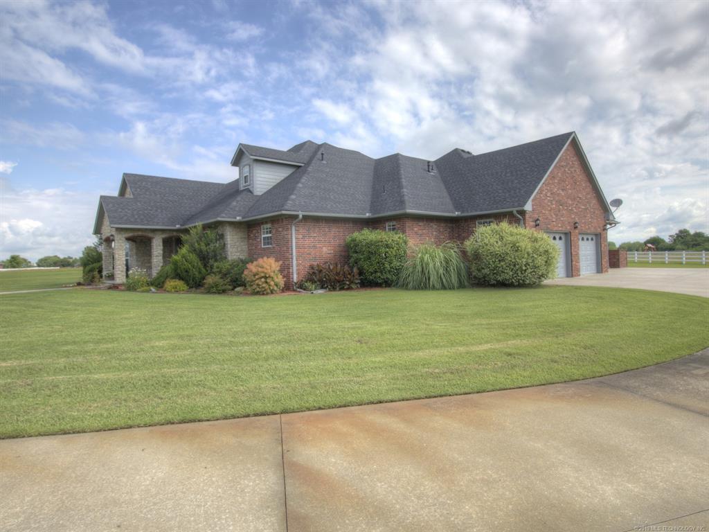 Active | 104 Rustic Lane Pryor, Oklahoma 74361 2