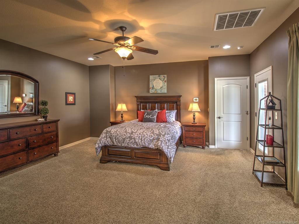 Active | 104 Rustic Lane Pryor, Oklahoma 74361 23