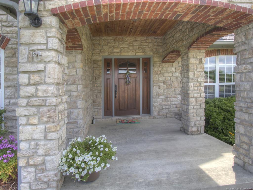 Active | 104 Rustic Lane Pryor, Oklahoma 74361 6