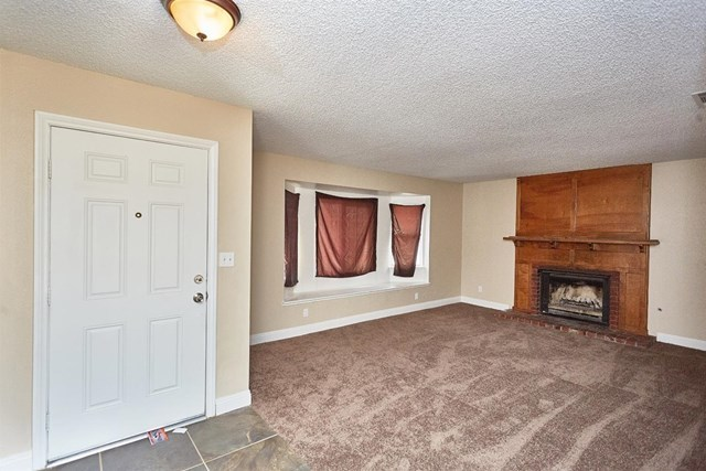 Closed   15574 Bear Valley Road Victorville, CA 92395 6