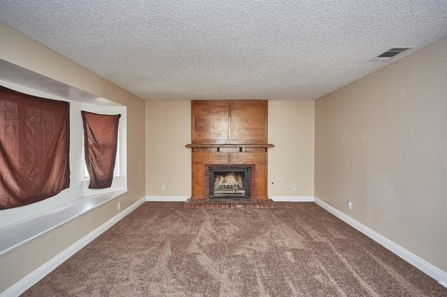 Closed   15574 Bear Valley Road Victorville, CA 92395 7