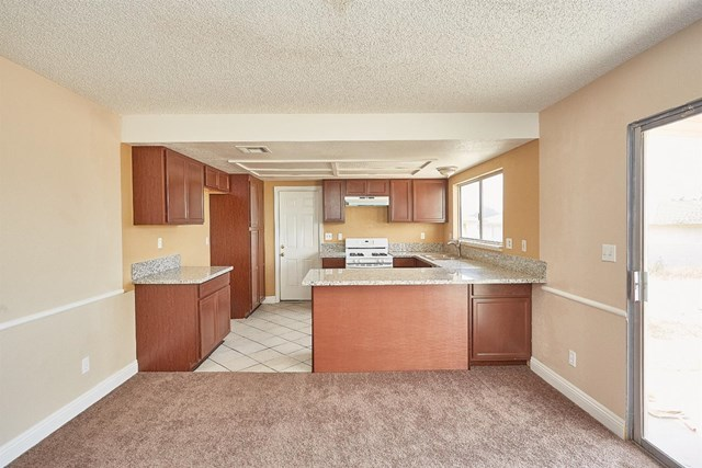 Closed   15574 Bear Valley Road Victorville, CA 92395 8