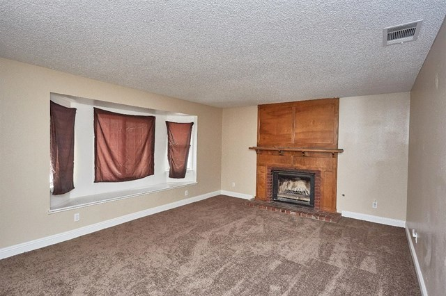 Closed   15574 Bear Valley Road Victorville, CA 92395 9