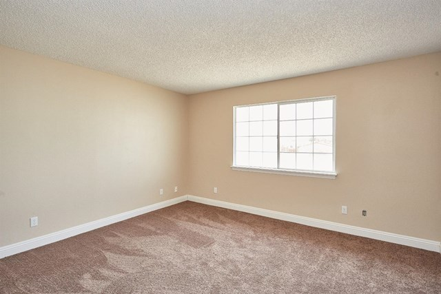 Closed   15574 Bear Valley Road Victorville, CA 92395 25