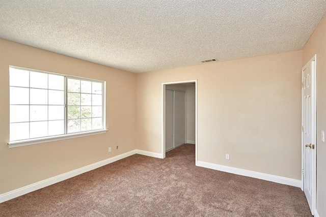 Closed   15574 Bear Valley Road Victorville, CA 92395 27
