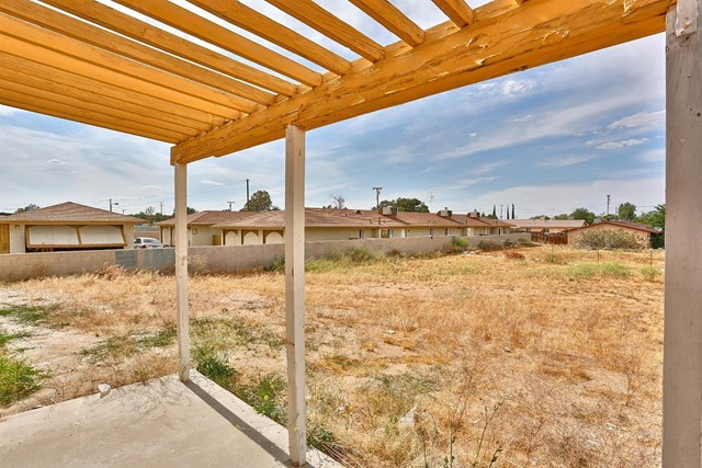 Closed   15574 Bear Valley Road Victorville, CA 92395 34