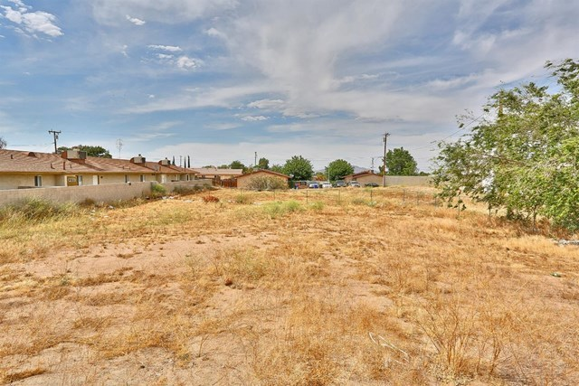 Closed   15574 Bear Valley Road Victorville, CA 92395 37