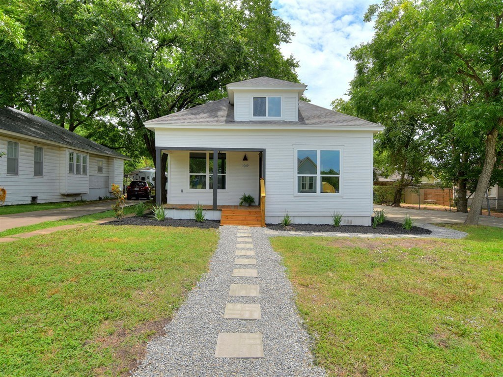 Sold Property | 1009 W 7th Street Taylor, TX 76574 1