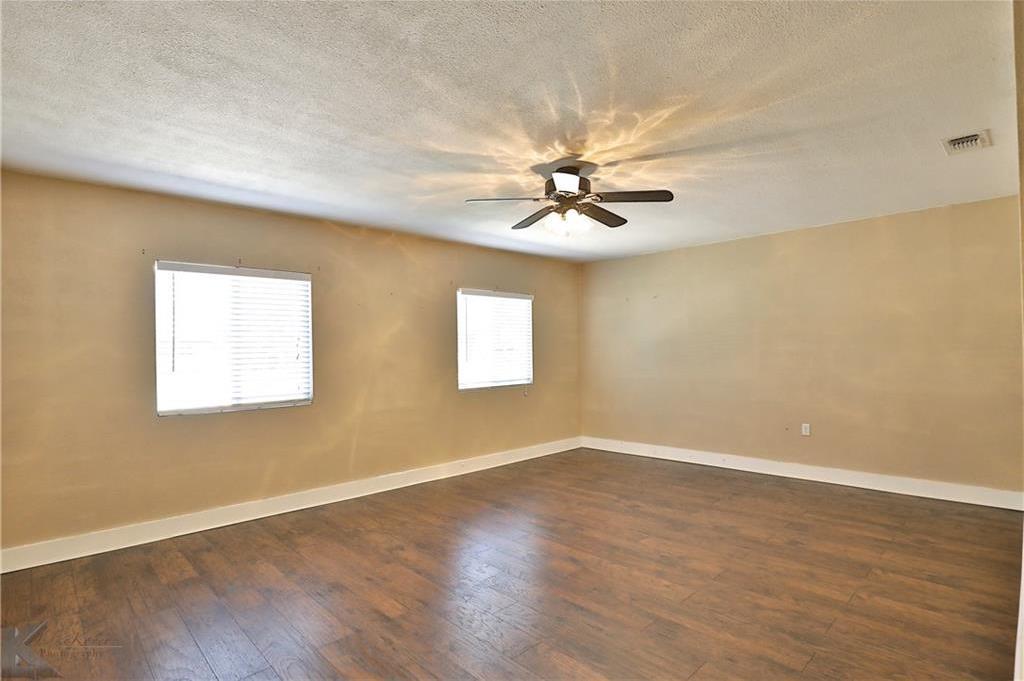 Active | 2201 Crescent Drive Abilene, TX 79605 27