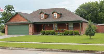 Off Market | 2401 Westwood Drive Claremore, Oklahoma 74017 2